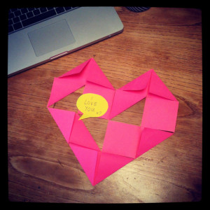 make: post-it note heart (for your office Valentine?)